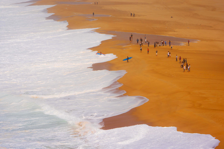 Nazare shorebreak 2.jpg