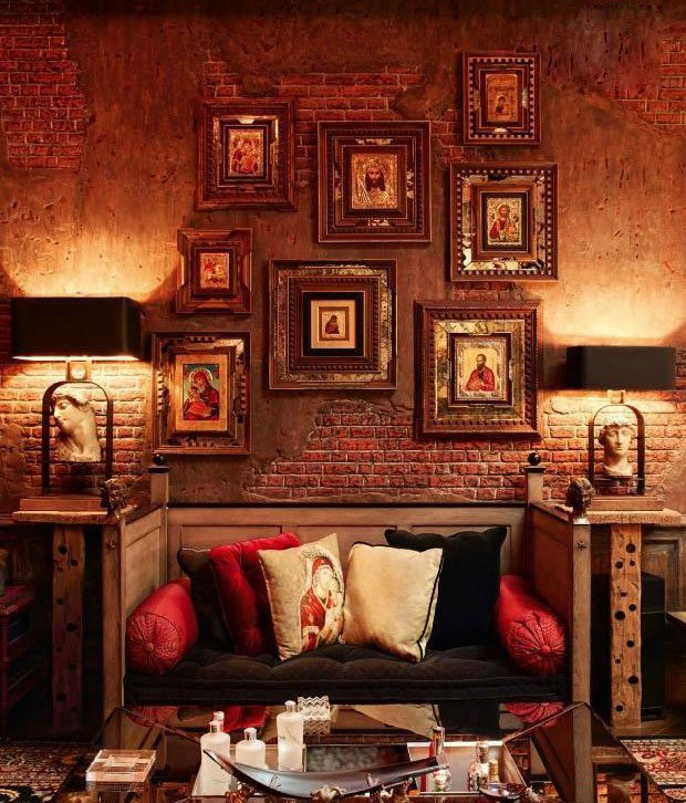 Shah Rukh Khan Home Interiors (2).jpg