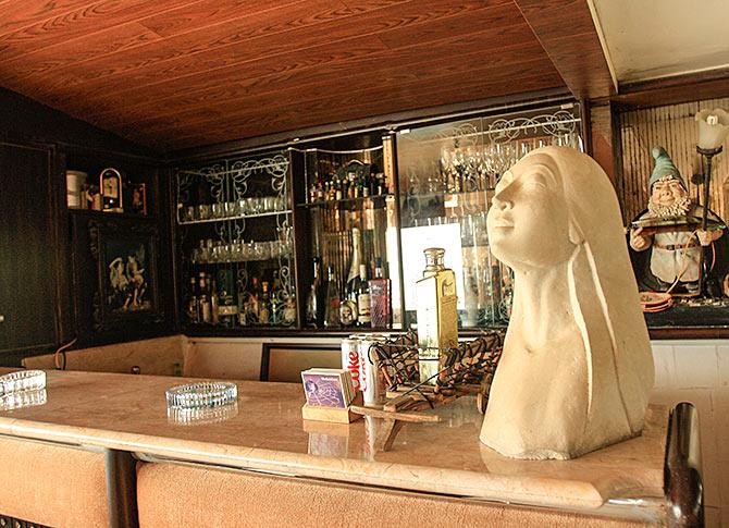 Shakti Kapoors Home Interiors (2).jpg