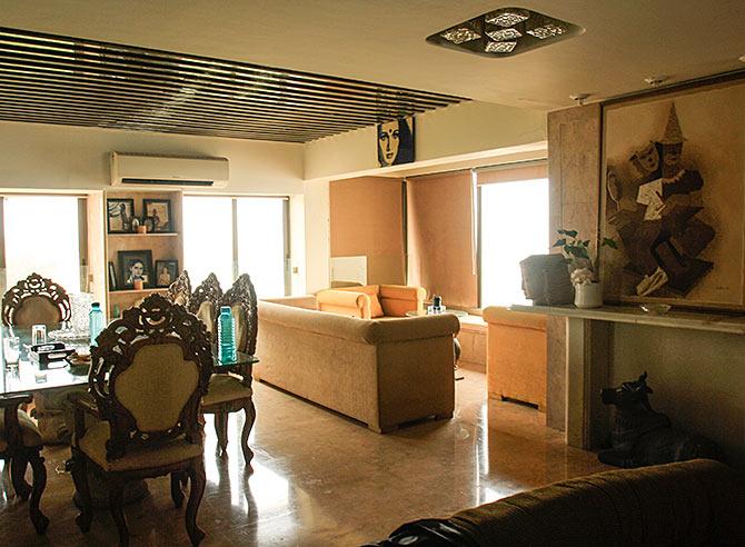 Shakti Kapoors Home Interiors (3)