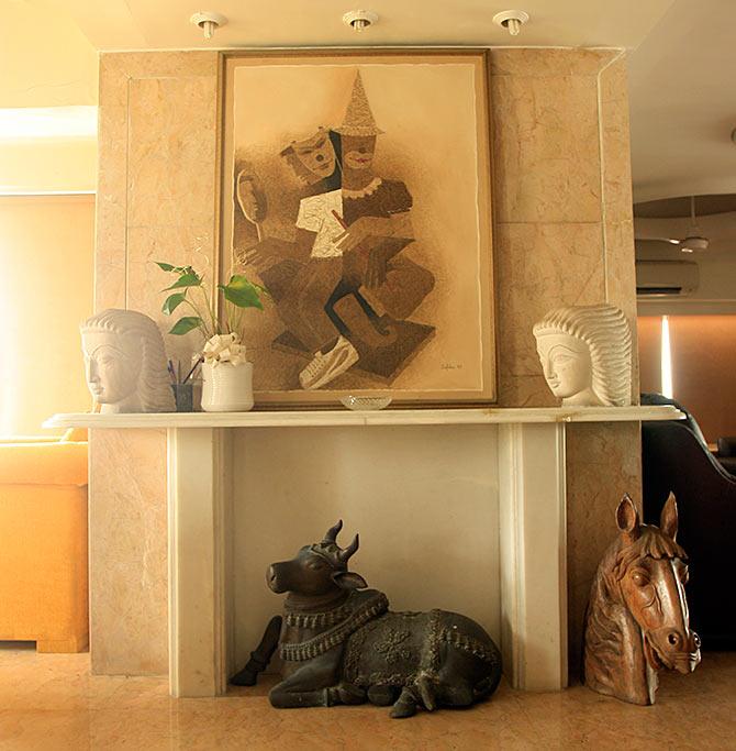 Shakti Kapoors Home Interiors (4).jpg