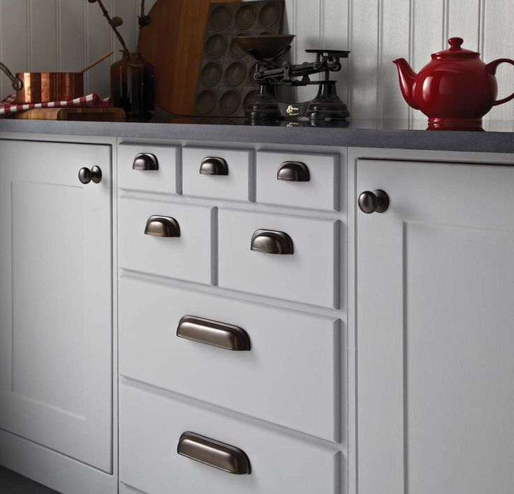 Knobs And Pulls (8).jpg