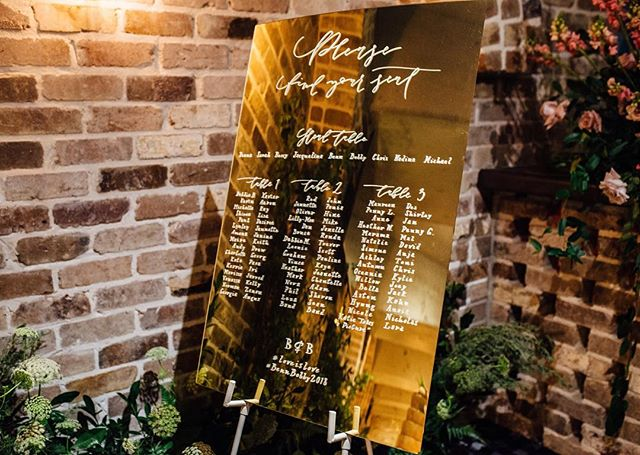 Our custom gold mirror seating chart looking classy at Benn & Bobby's reception ✨ . . Planning, styling + florals by @xaviernicolleflowers  Photos @katietakesapicture  Venue @sandstonepointweddings  Hire @ivyandbleuevents  Videography @gm_films . . . . . #lettering #calligraphy #weddingsigns #weddinginspo #brisbanebride #sunshinecoastweddings #goldcoastwedding #goldcoastbride #welcome #welcomesign #wedding #bride #reception #acrylic #acrylicsign #weddingcalligraphy #reception #queenslandbrides #design #interiorinspo #engaged #shesaidyes #gettingmarried