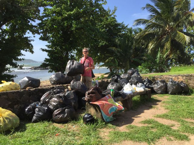 The_great_Galle_beach_cleanup_garbage