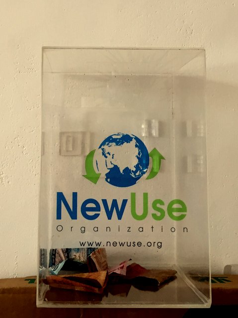 donation_box_NewUse_resuse_shop_Hikkaduwa