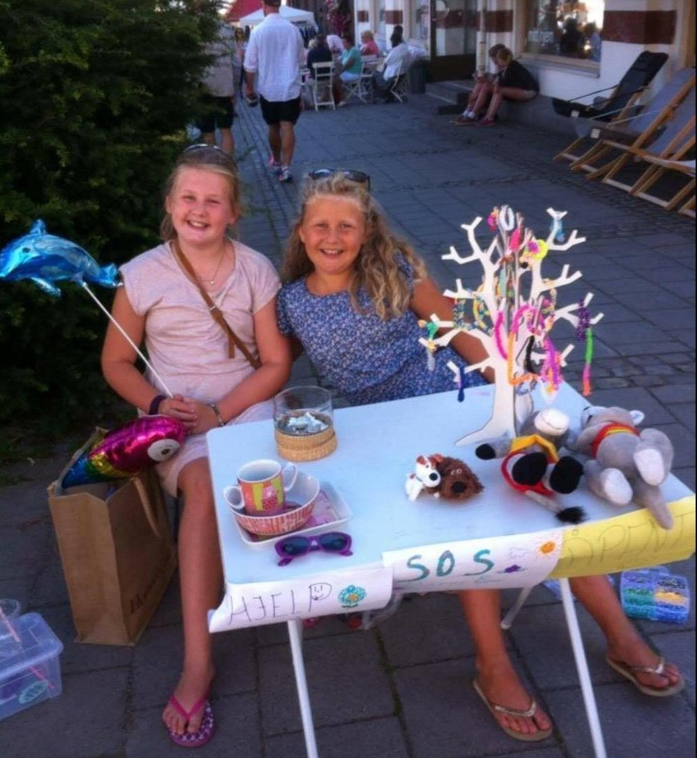 Pernille_and_Tuva_raise_money_to_help_children