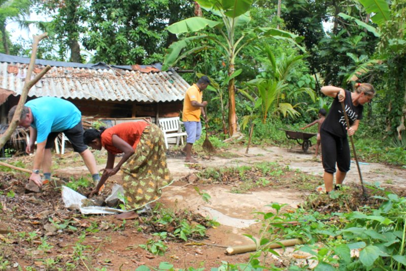 Cleaning_land_Ramani_house_NewUse_1