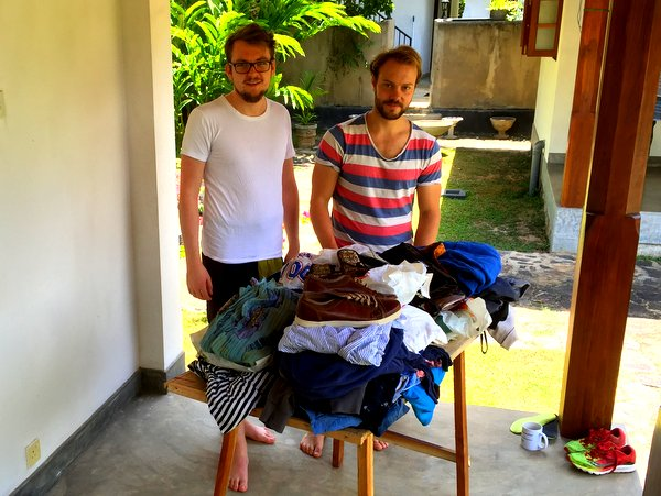 Sander_oyvind_and_annika_donates_to_NewUse_second_hand_shop