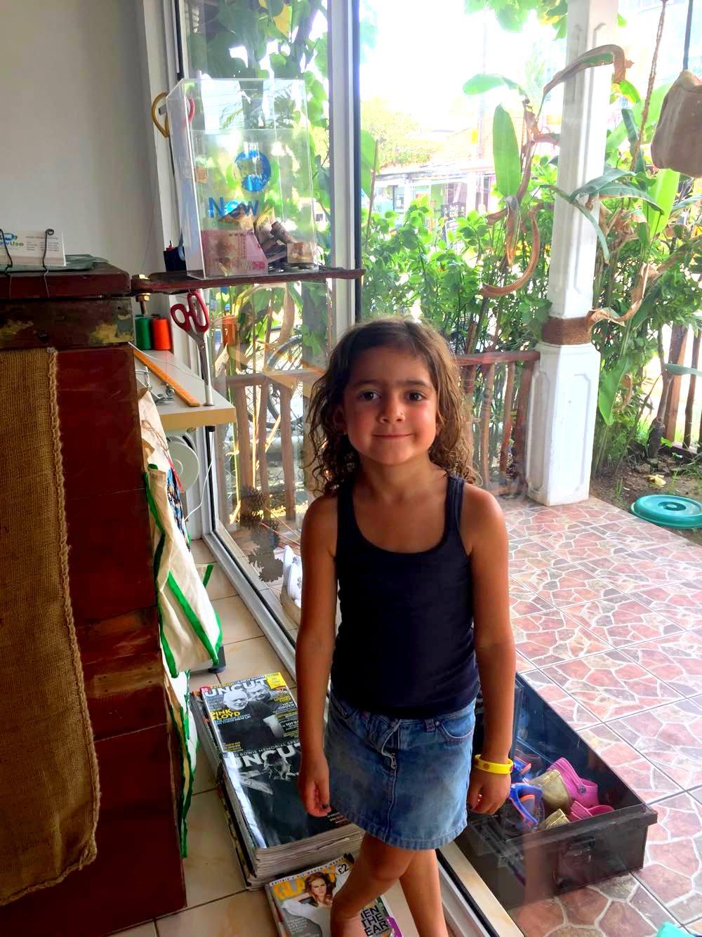 Salma_gives_cash_donation_to_NewUse