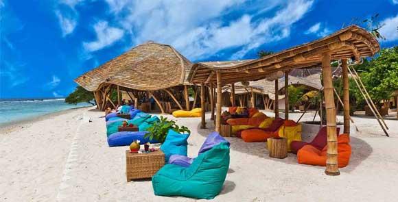 Restoran-Pearl-Beach-Lounge-Gili-Trawangan.jpg