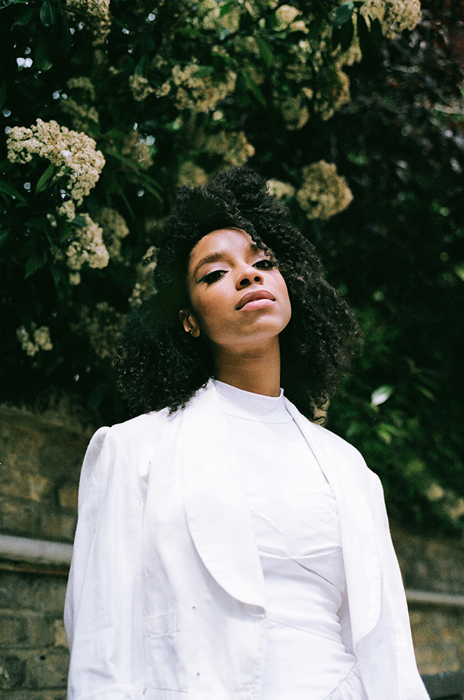 Lianne La Havas shot by Francesca Jane Allen for Oh Comely Issue 26, available here.