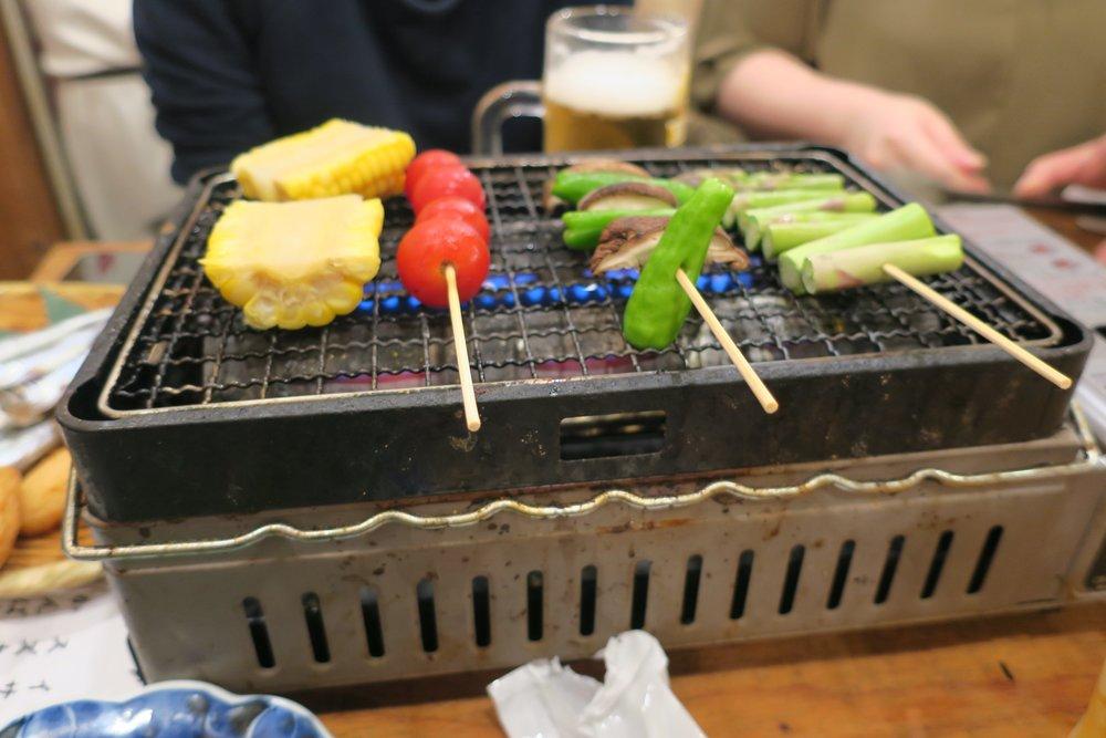 Grill japonés (vegetariano!) gracias a unas amigas. El resto de los días nos costó bastante pedir cosas sin carne...