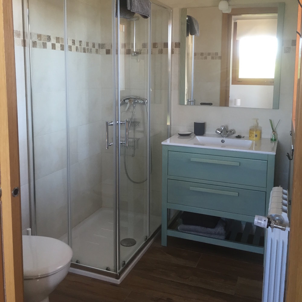 Bathroom - Mas del Encanto | Rural Retreat and Bed & Breakfast in Matarranya, Spain