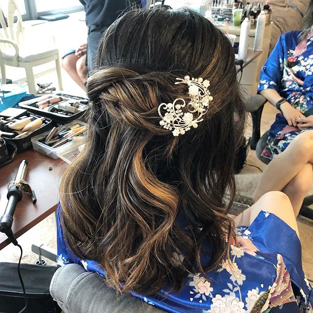 I love hair pieces! The bride supplied a piece for each of her bridesmaids! Glory 💙