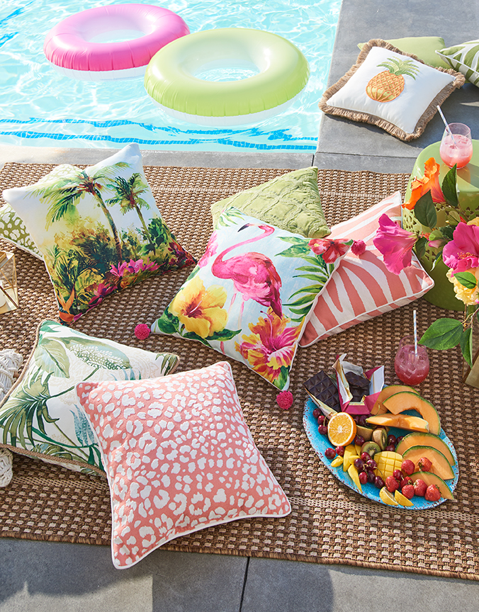 63_TROPICAL_PILLOWS_RM_133_19_V2.jpg