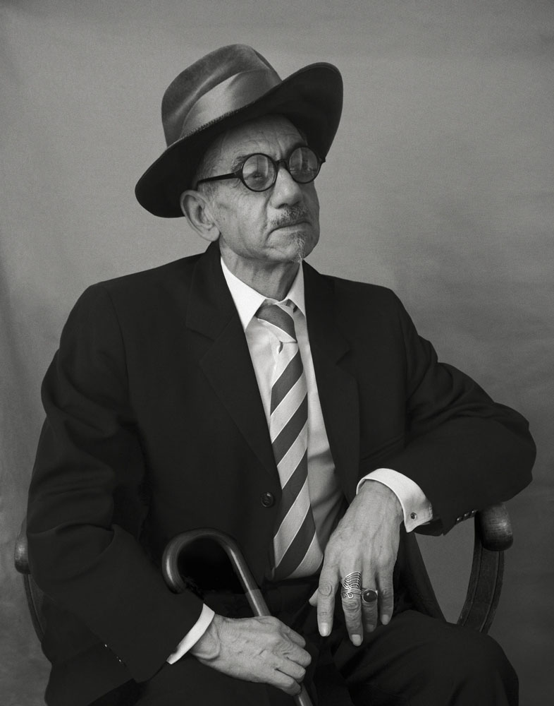 Copy of « Looking for the Masters in Ricardo's Golden Shoes #19 (Tribute to Berenice ABBOTT, James Joyce, 1928) » by Catherine Balet