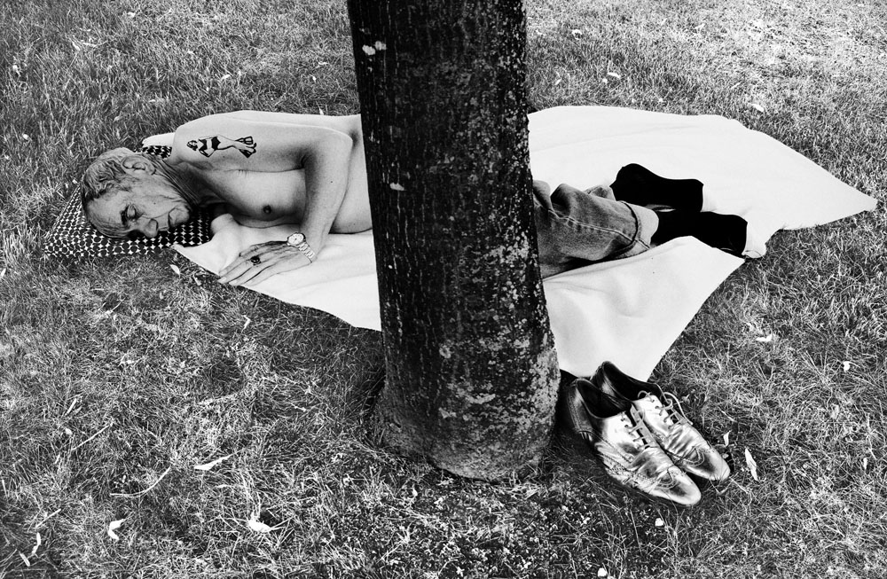 Copy of « Looking for the Masters in Ricardo's Golden Shoes #46 (Tribute to Robert FRANK, Political Rally, 1956) » by Catherine Balet