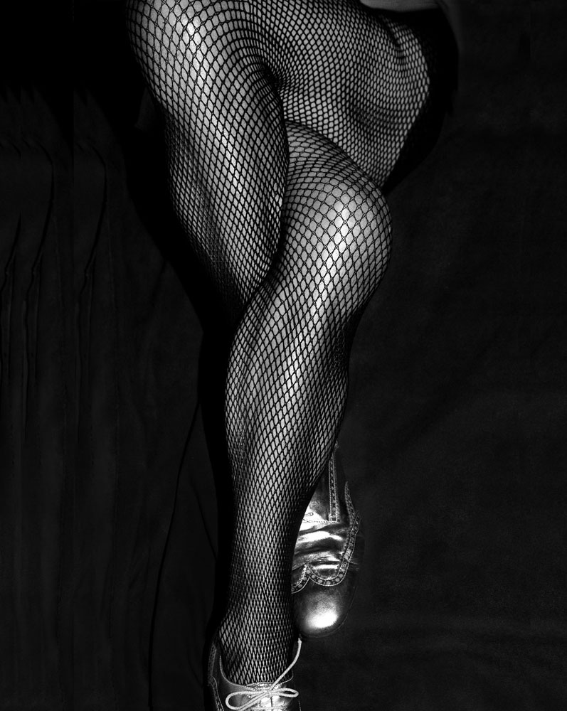 Copy of « Looking for the Masters in Ricardo's Golden Shoes #77 (Tribute to Daido MORIYAMA, Tights, 1986) » by Catherine Balet