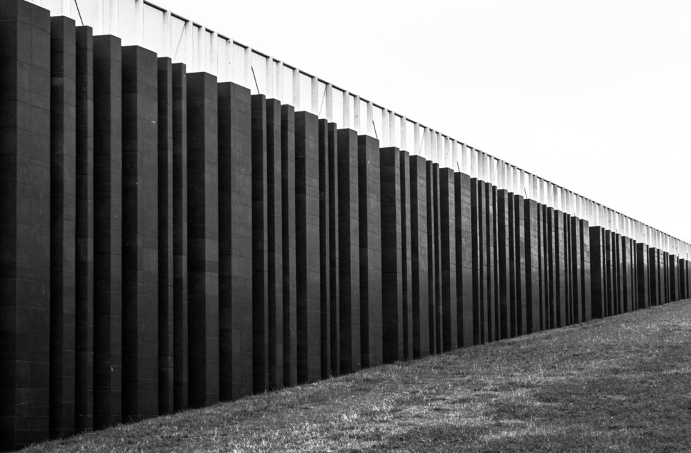 Image 1: Mike Kniec. The Wall. 2014.