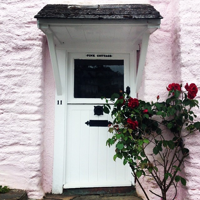 3fb4e40fb51a3808-pink-house-noss-mayo-south-devon.jpg