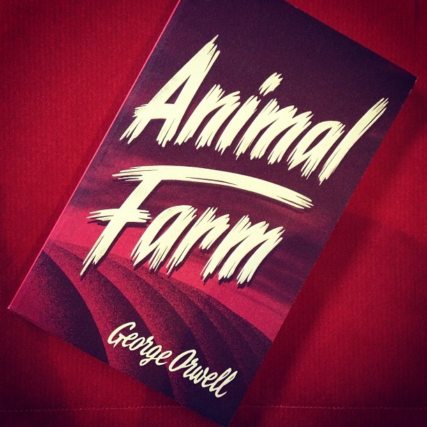 7bab51671614f278-animal-farm-george-orwell-red-book.jpg