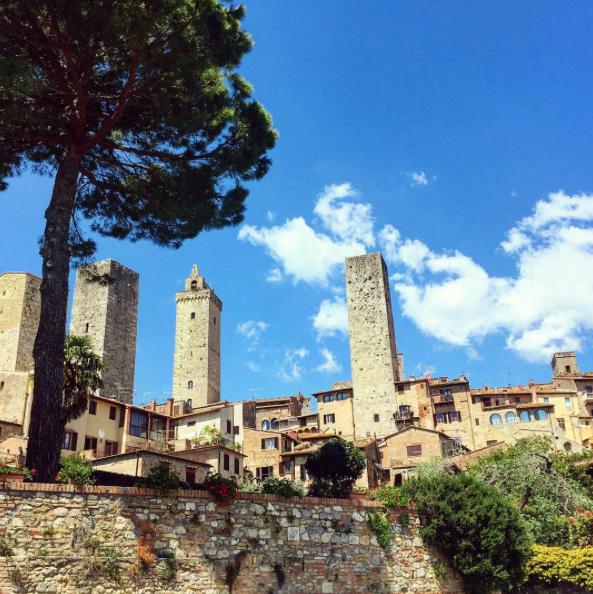 tuscany-italy-castelvecchi-chianti-hotel-san-gimignano-view.png
