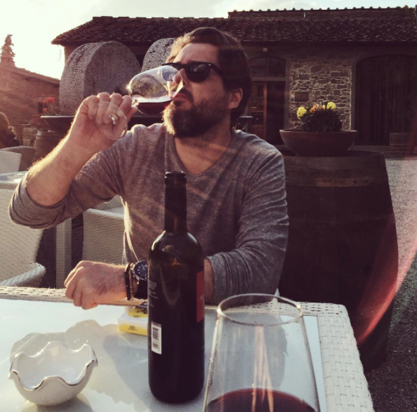 tuscany-italy-castelvecchi-chianti-hotel-wine.png
