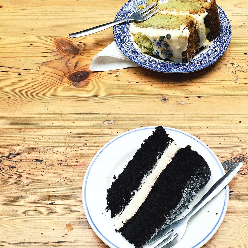 bristol-blog-post-street-travel-blogger-st-nicholas-market-ahh-toots-cake.JPG