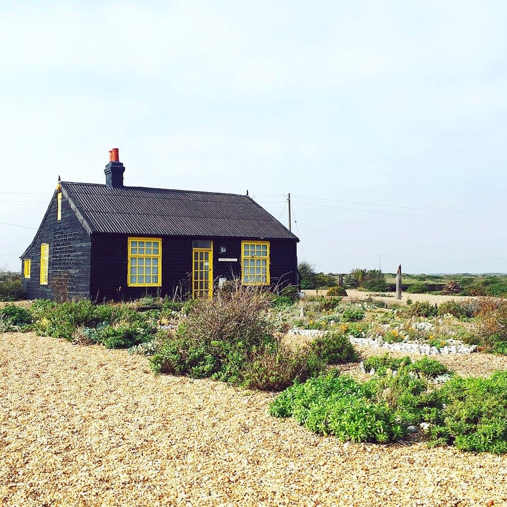 dungeness-shipwreck-boats-travel-blogger-blog-beach-british-theinkcloset-house.JPG