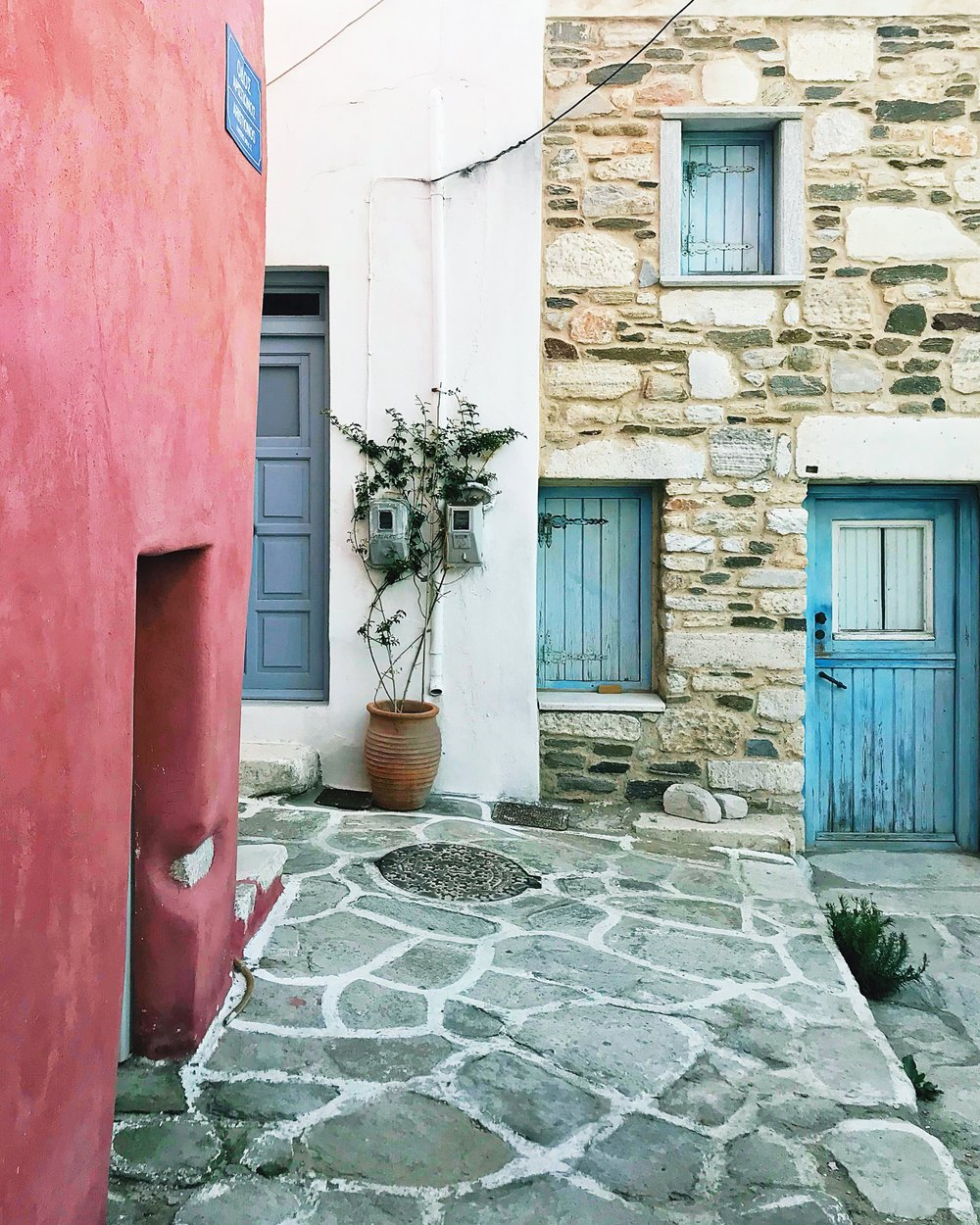 paros-greece-street-architecture-holiday-travel-blog-parokia.JPG
