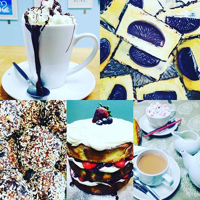 Wowsers! It's a cold one!! Luckily we have coffee, cake & tinned to keep your littlies entertained ;) #oswestry #shropshire #cold #freezing #coffee #cake #cakestagram #fun #kids #happy #playcafe #warm