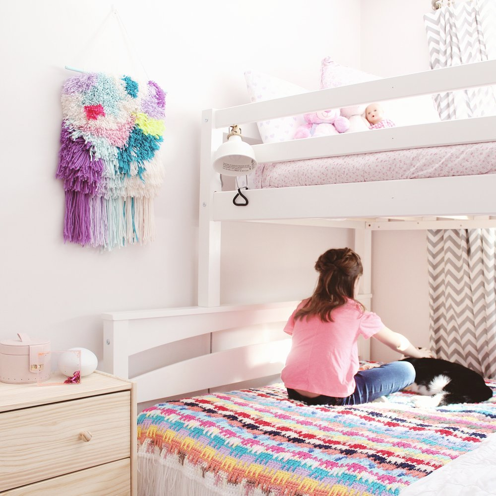 Twin Bunkbeds bedroom makeover by Ashley Izsak