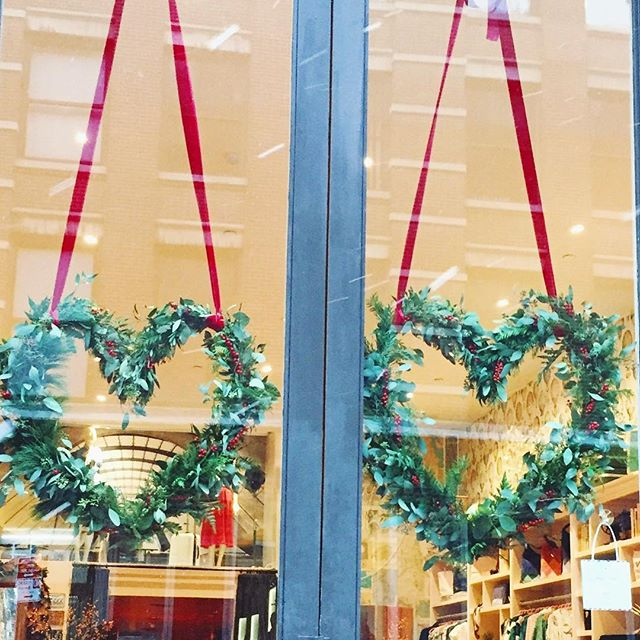 Our snow day install at the beautiful new @deardrew store in SoHo for today's event with two very inspiring women  @darcymiller & @drewbarrymore ❤️🎄❄️ #heartwreath #deardrew #celebrateeverything #christmascheer #snowday