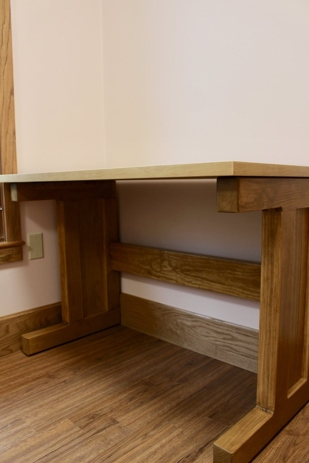 Wood Workstation with Laminate Top