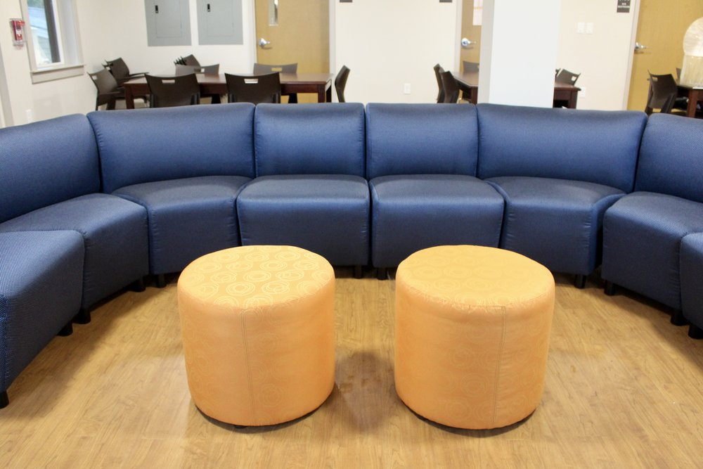 Chelsea Sectional with Dalton Ottomans