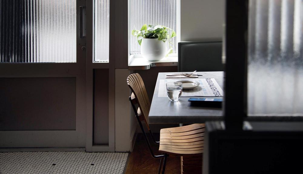 table+42+r&d+cafe.jpg