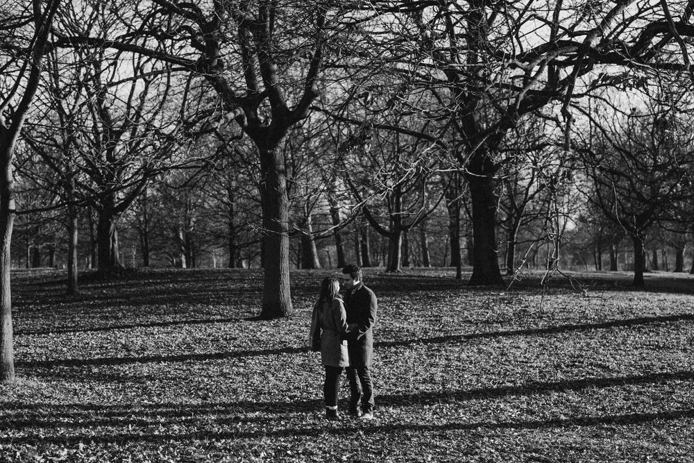 12292016-carolinawill-london-regents-park-engagement-session-40