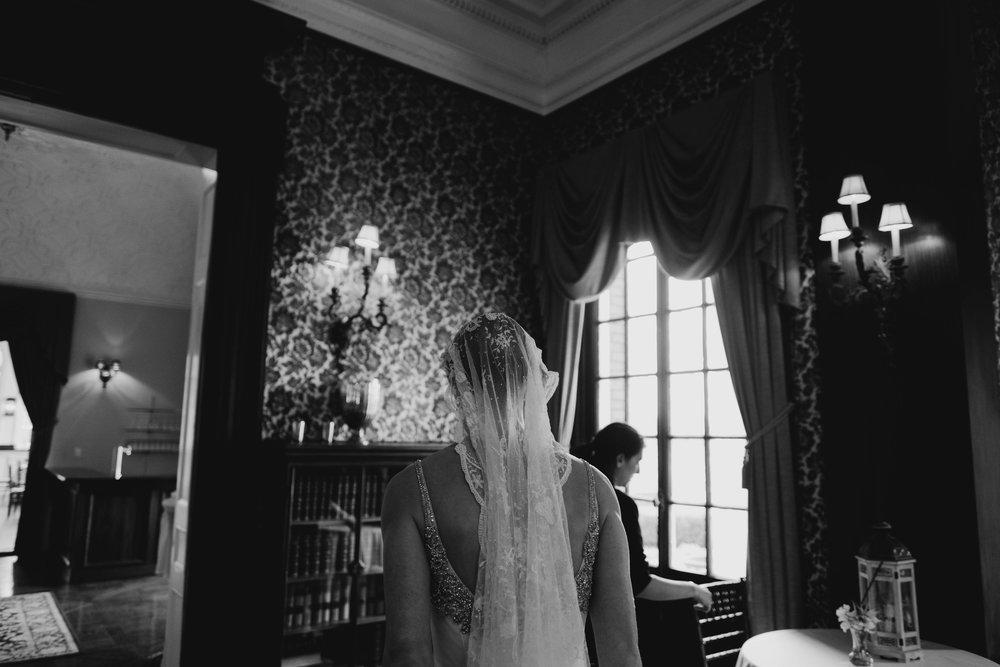 04302017-marykate-matt-bourne-mansion-wedding-21.jpg