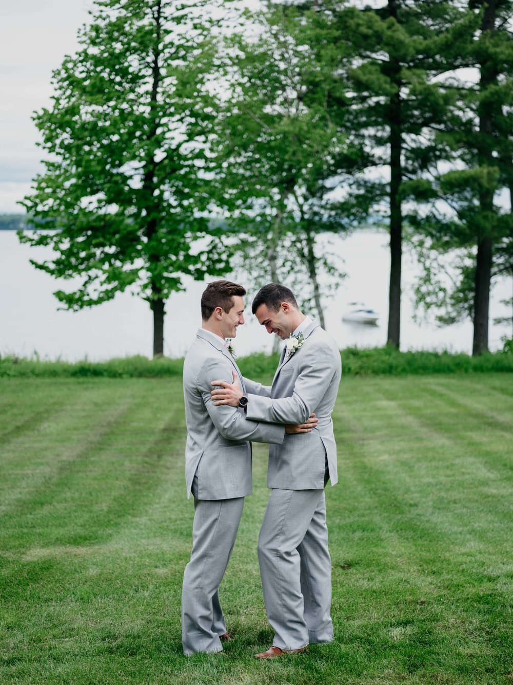 06032017-nick-evan-vermont-mountain-wedding-photographer-30.jpg
