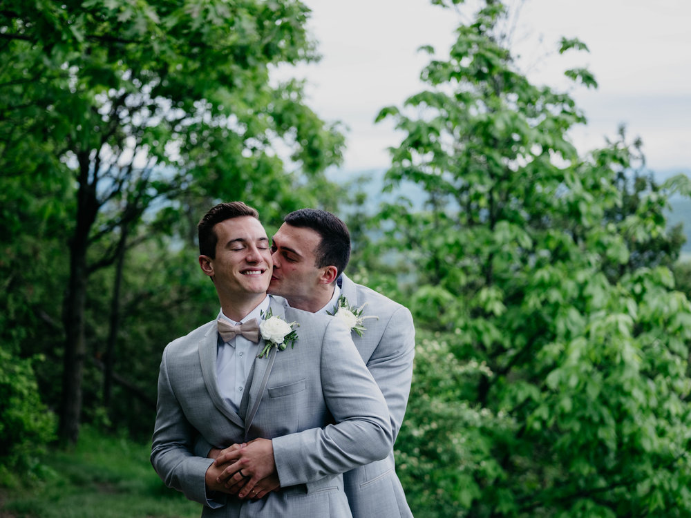 06032017-nick-evan-vermont-mountain-wedding-photographer-72.jpg