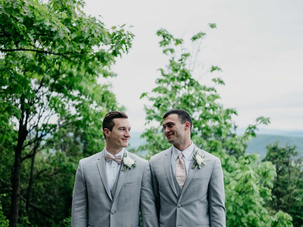 06032017-nick-evan-vermont-mountain-wedding-photographer-74.jpg