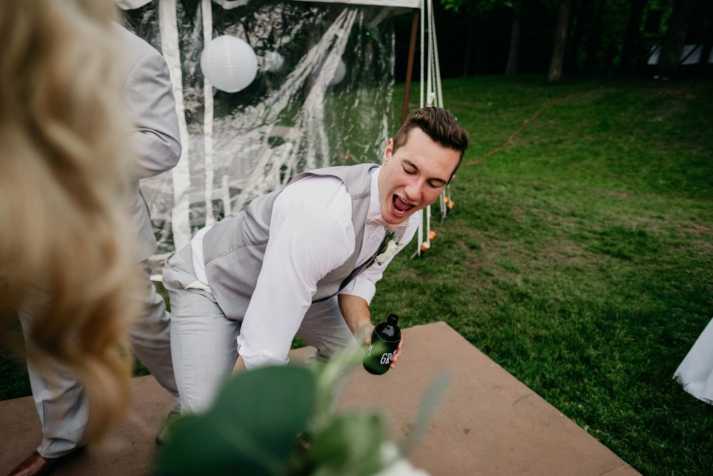 06032017-nick-evan-vermont-mountain-wedding-photographer-155.jpg