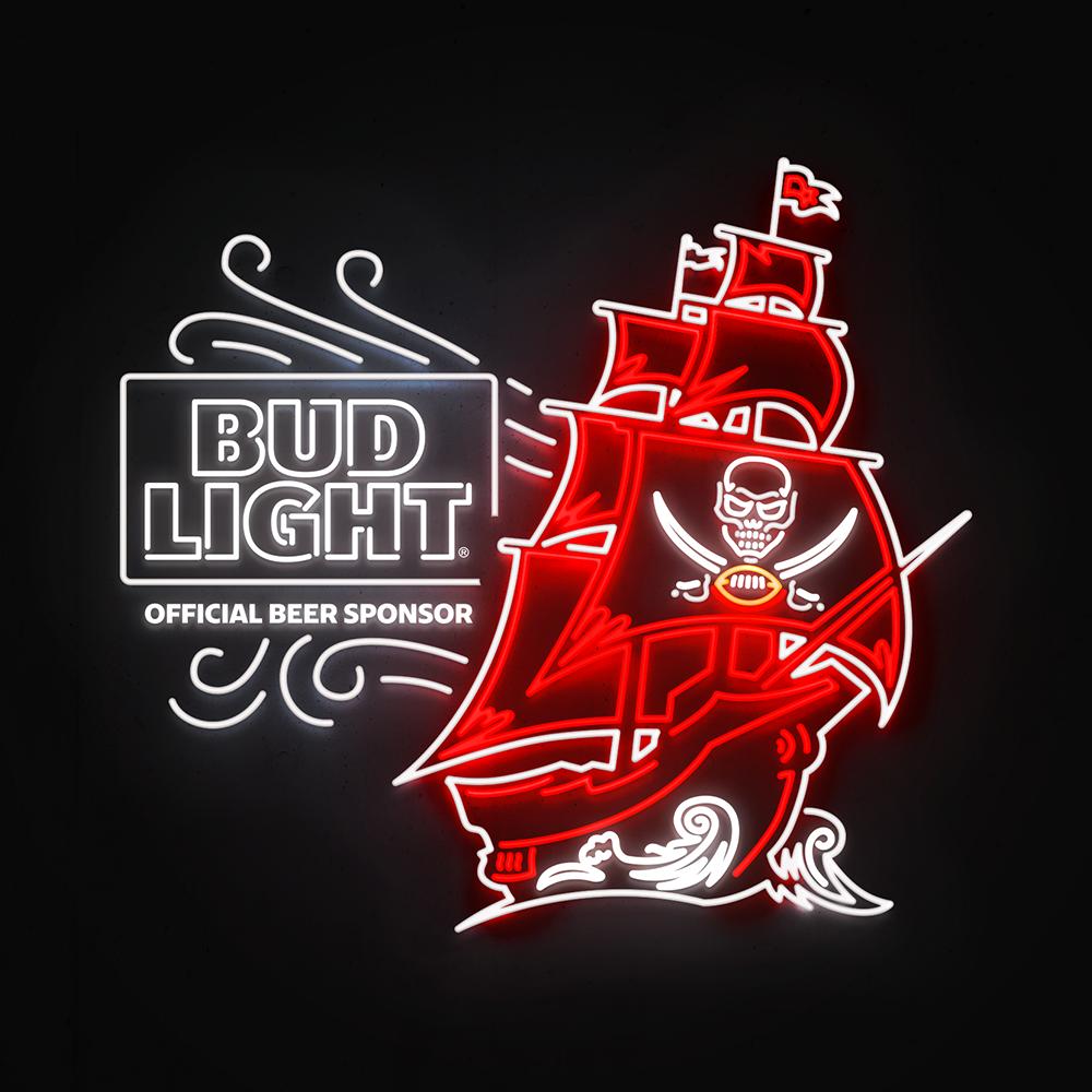 BL_2019_T2_NFL-LED_Innertrak_0022_BL_2019_T2T3_NFL_LED_Buccaniers.png