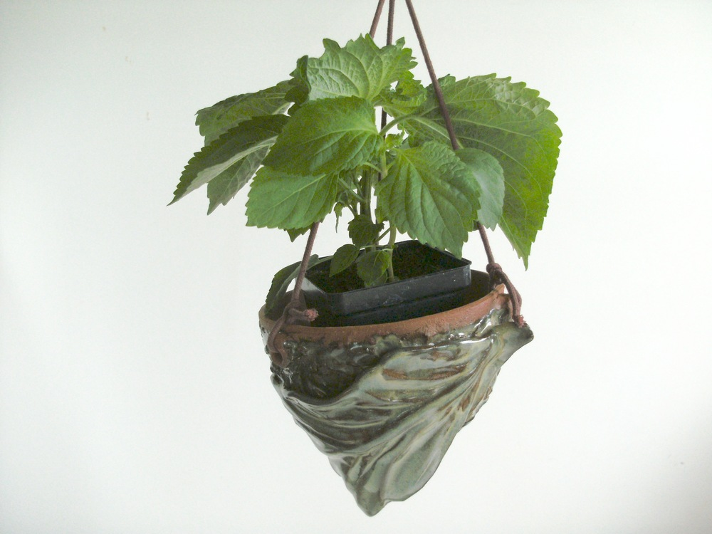 KMBK8 Hanging Nest Pot