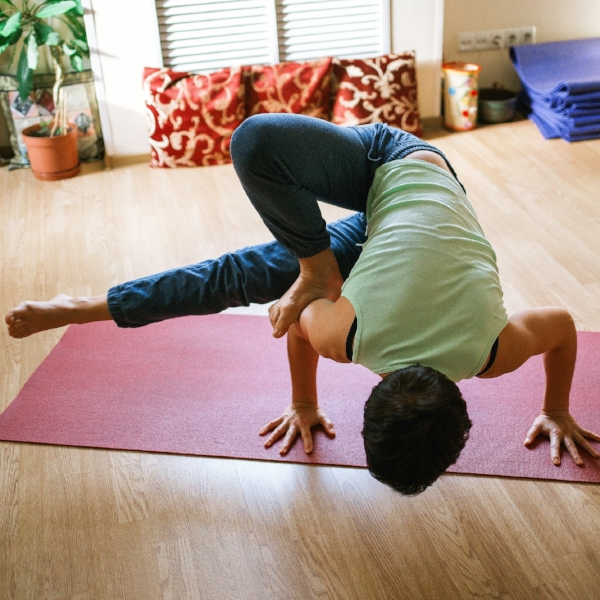 yoga-1146281.jpg