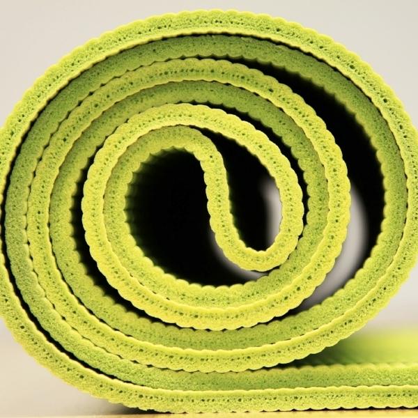 yoga-940359.jpg