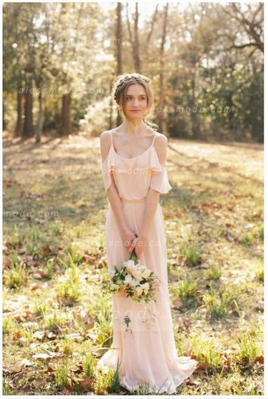 Alright, this is one of my favourites!!! It feels perfect for a fairy tale wedding. I love the sleeves and light feel to this dress. Also perfect for as  beach wedding dresses