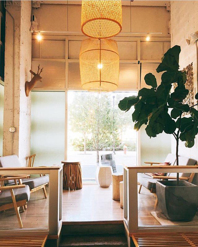 Bwe Kafe in Newport