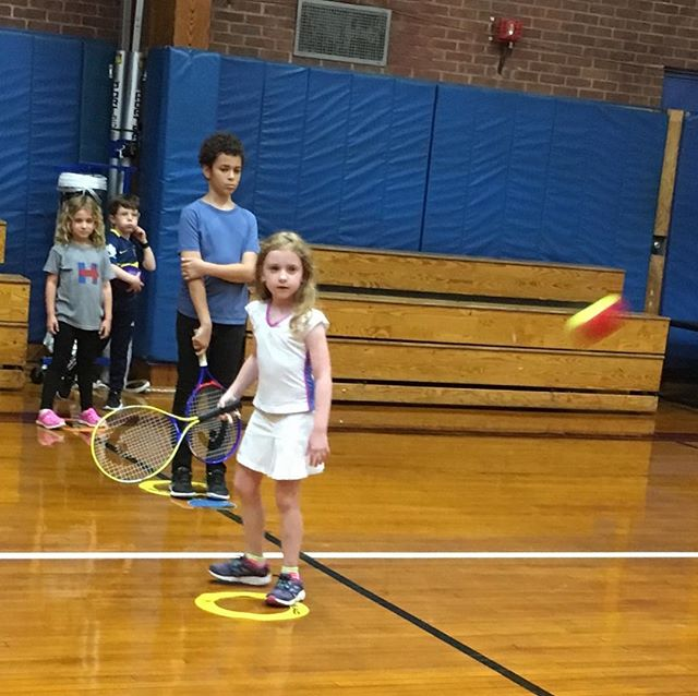Concentration, focus, and fun @lion_tennis #playsports #tennis #netgeneration #ustaeastern #usta #letthembelittle #tennisskirt #fun #tenniskids #brooklyn #parkslope #brooklynheights #prospectheights #carrollgardens #fidi #independentschool #cutekidsfashion