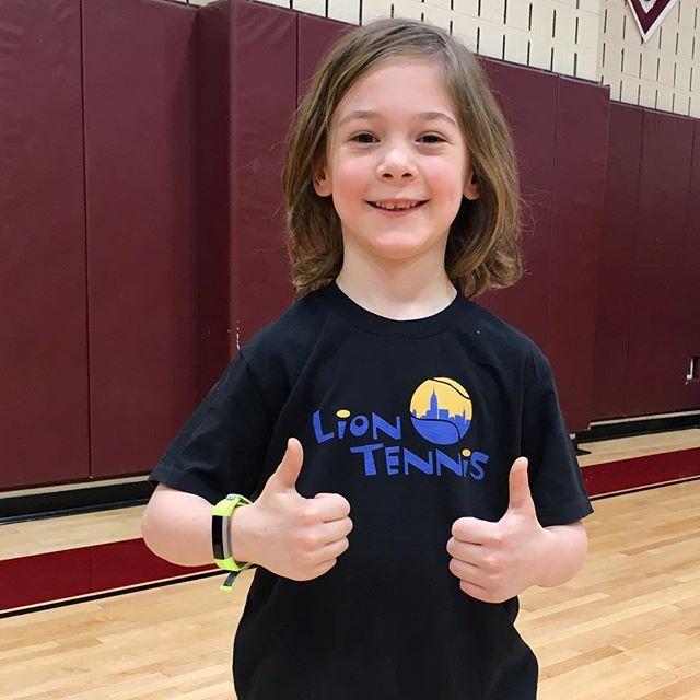 Thumbs up @lion_tennis After School Enrichment #afterschool #kidsforreal #enrichment #tenniskids #brooklynkids #flashesofdelight #simplychildren #brooklyn #manhattan #parkslope #cobblehill #carrollgardens #fidi #prospectheights #netgeneration